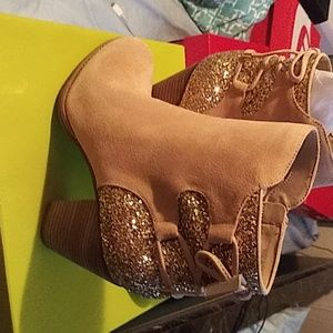 Women Gianni Bini Boots